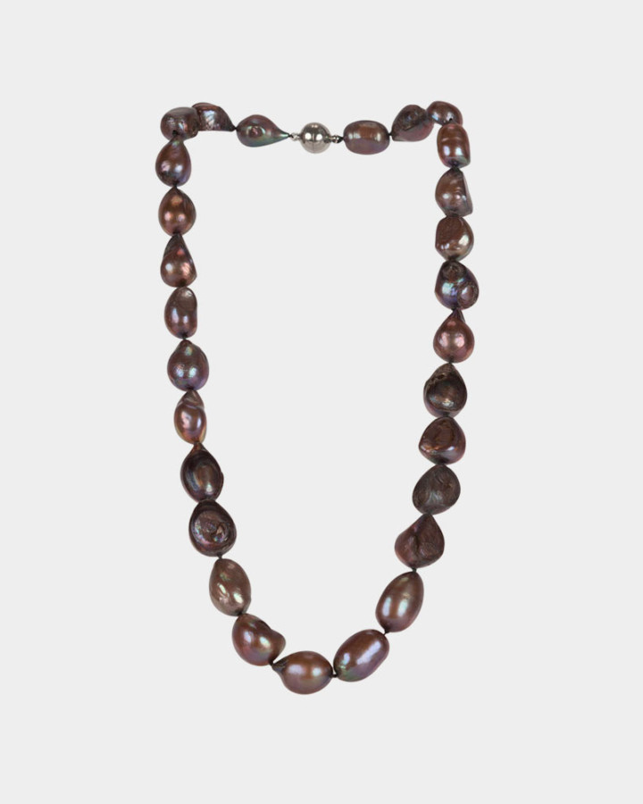 pearl necklace taupe