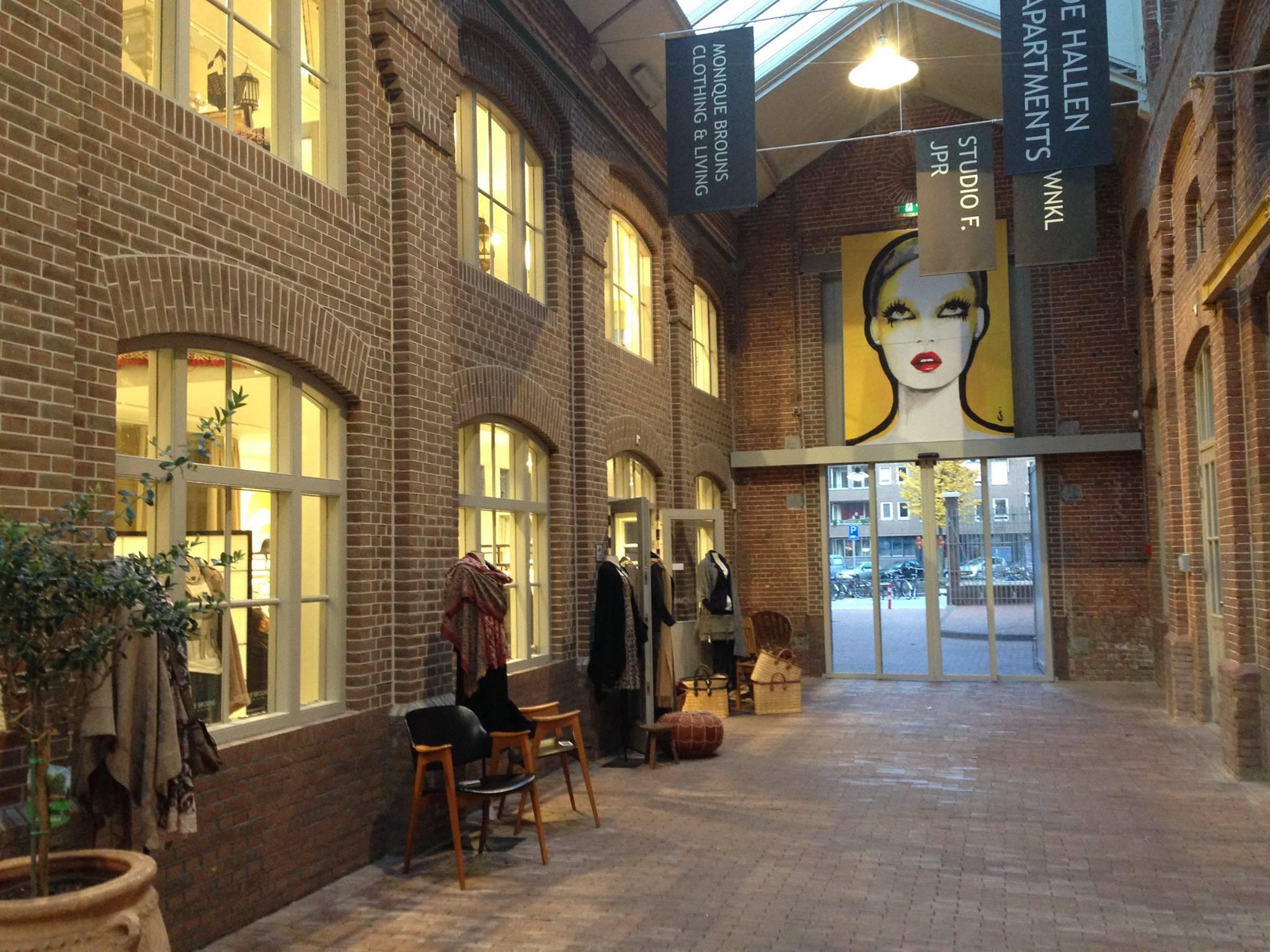 Our shop entrance at De Hallen