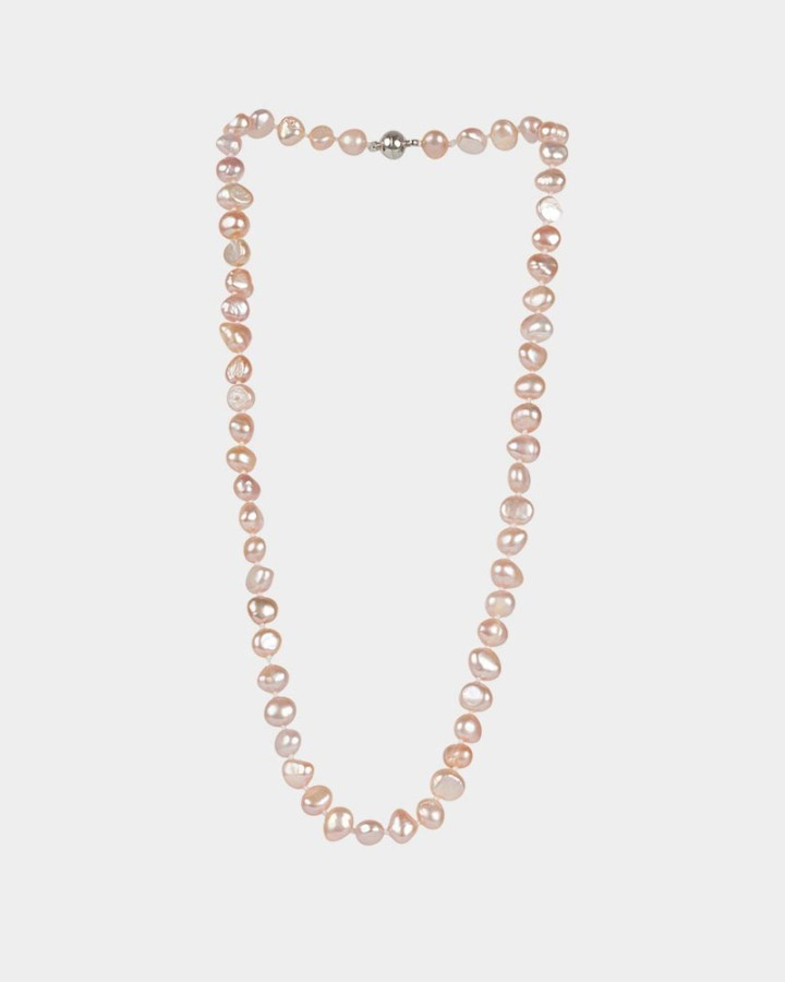 pearl necklace salmon