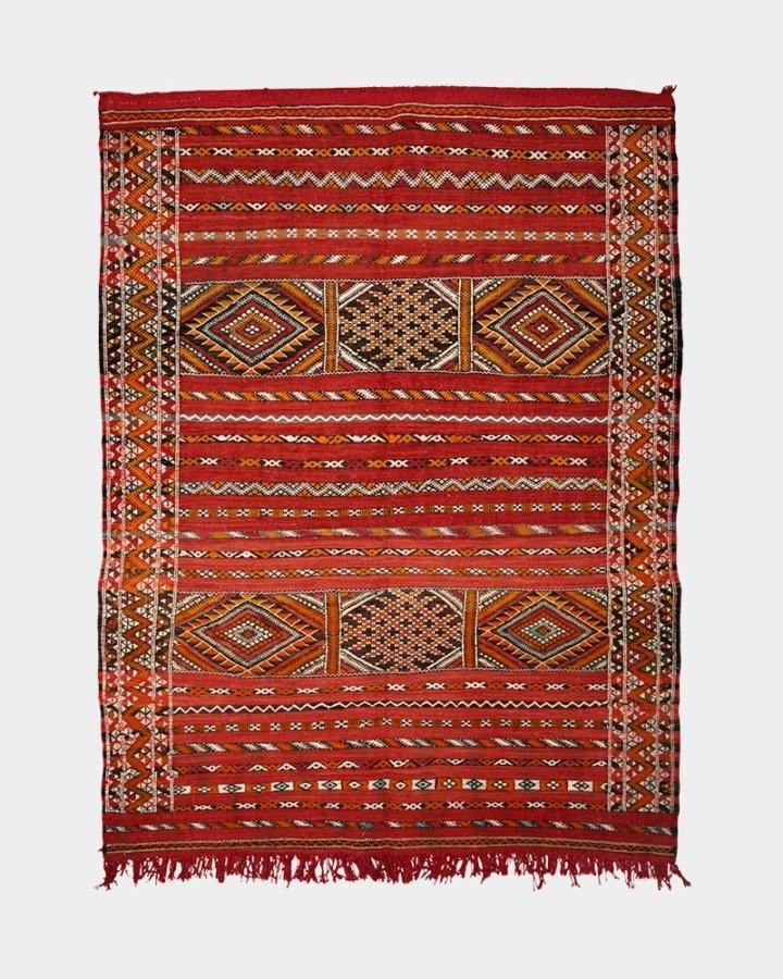 red wool carpet 160 x 122 cm