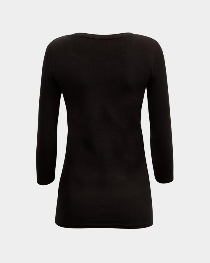 back of organic black t-shirt / achterkant van organisch zwart t-shirt
