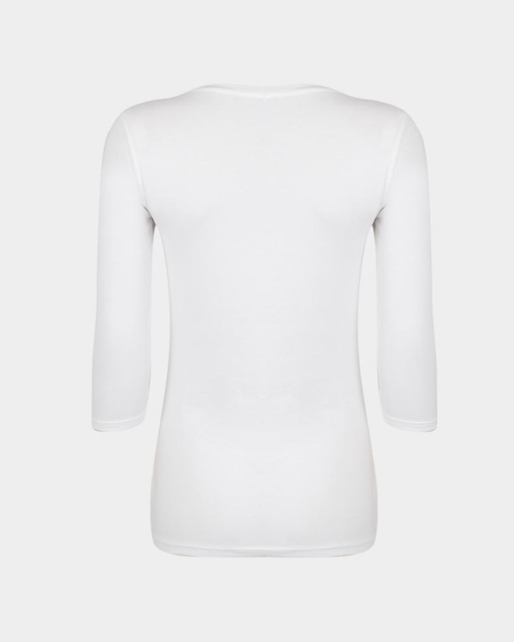 back of organic white t-shirt / achterkant van organisch wit t-shirt