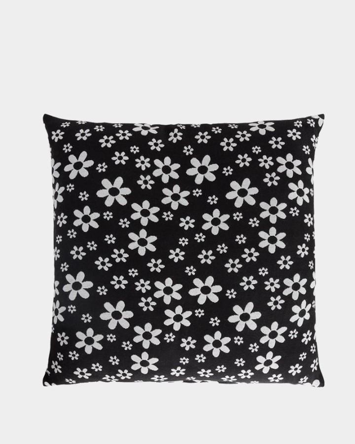 zwart/wit kussen met bloemenprint