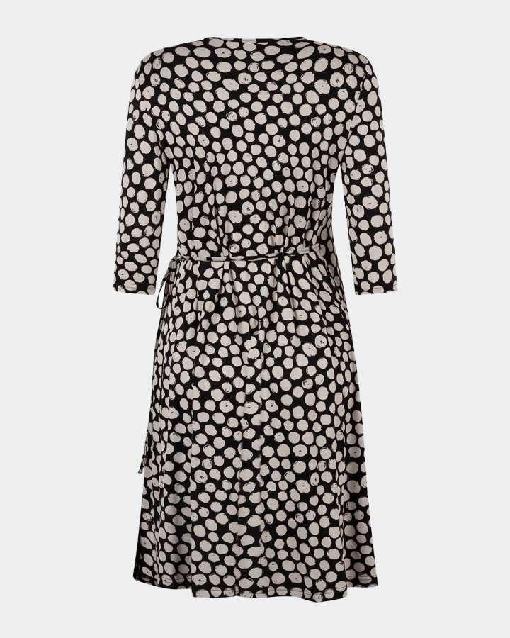 black wrap dress / zwarte overslagjurk