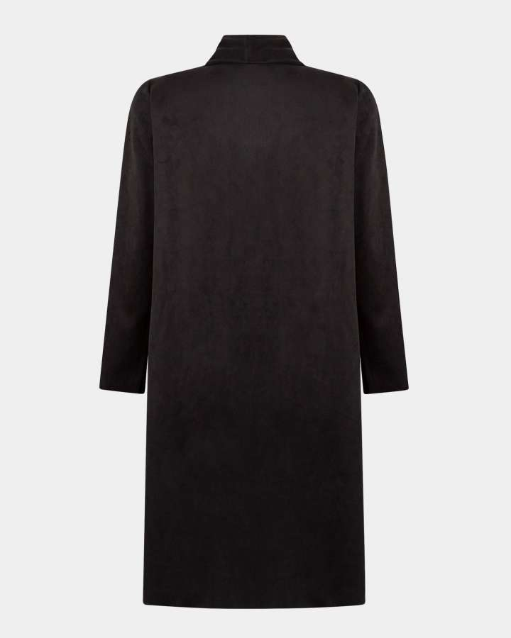 black coat / zwarte jas