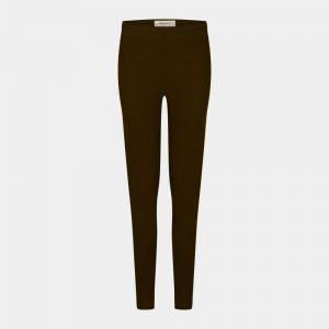 slim fit pants in dark chocolate